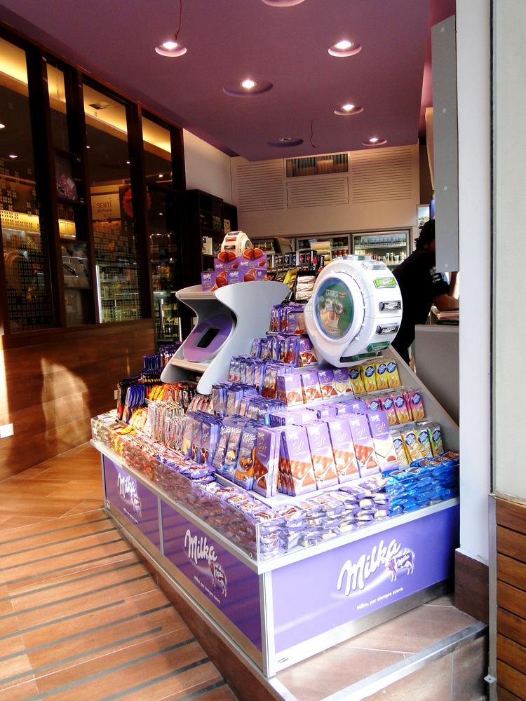 Tienda de cafe   milka  open 25 hs